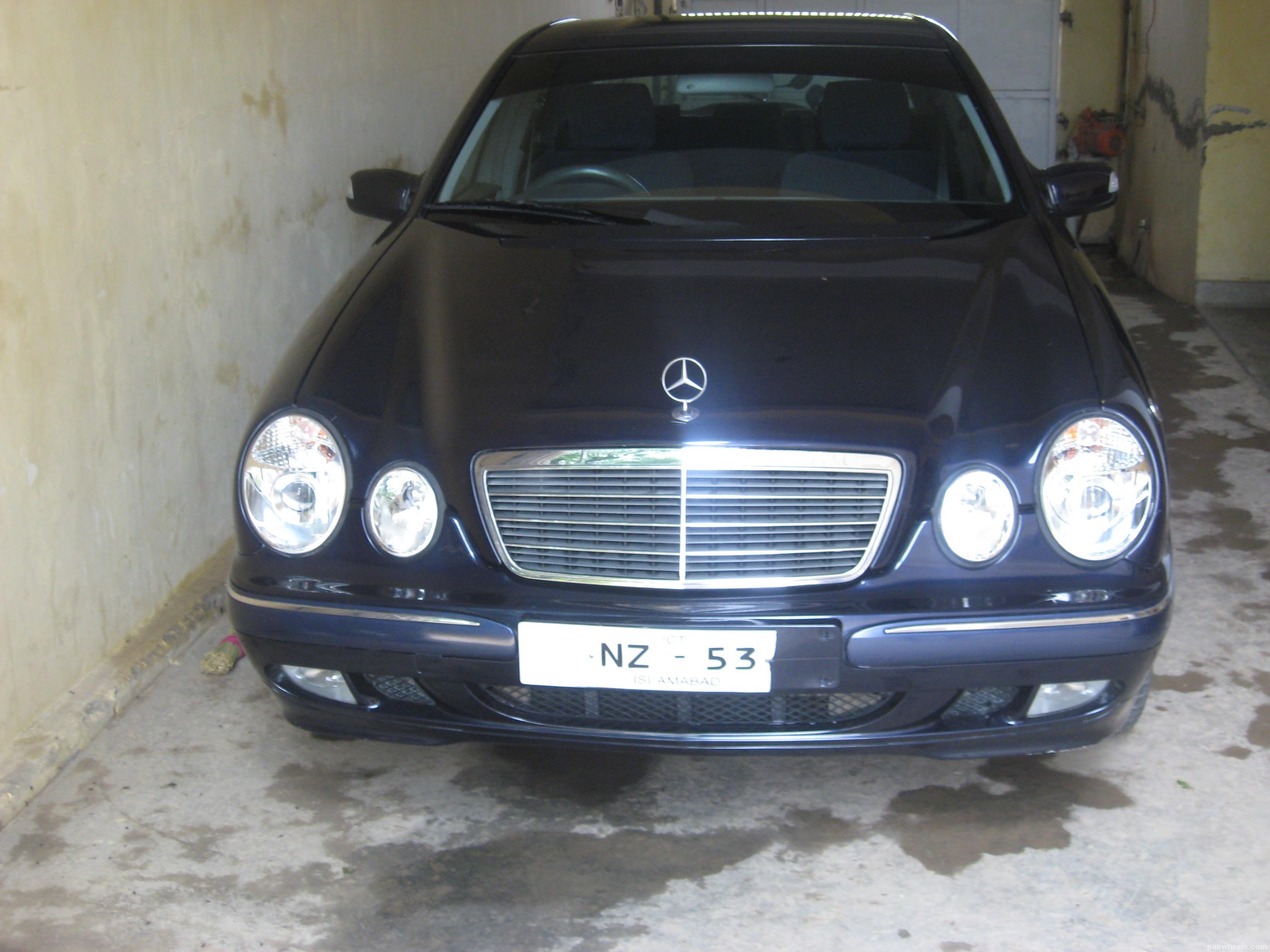Mercedes Benz E Class E320 2001 Image-1