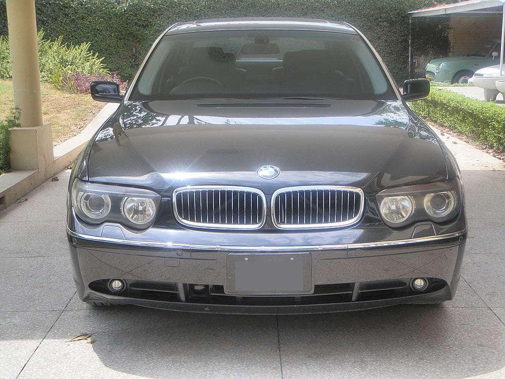 BMW 7 Series 2002 Image-1