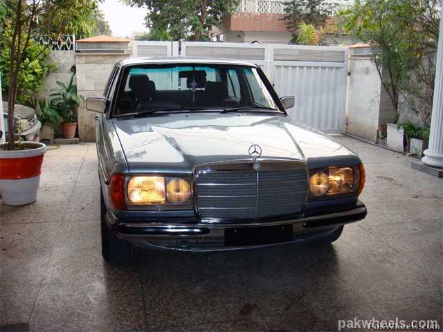 Mercedes Benz E Class - 1982 Emran Xahyd Image-4