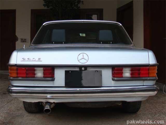 Mercedes Benz E Class - 1982 Emran Xahyd Image-5
