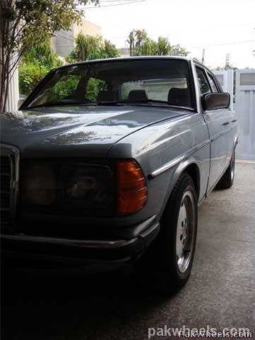 Mercedes Benz E Class - 1982 Emran Xahyd Image-20