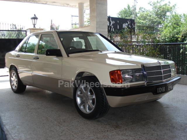 Mercedes Benz E Class - 1988 MB Image-1