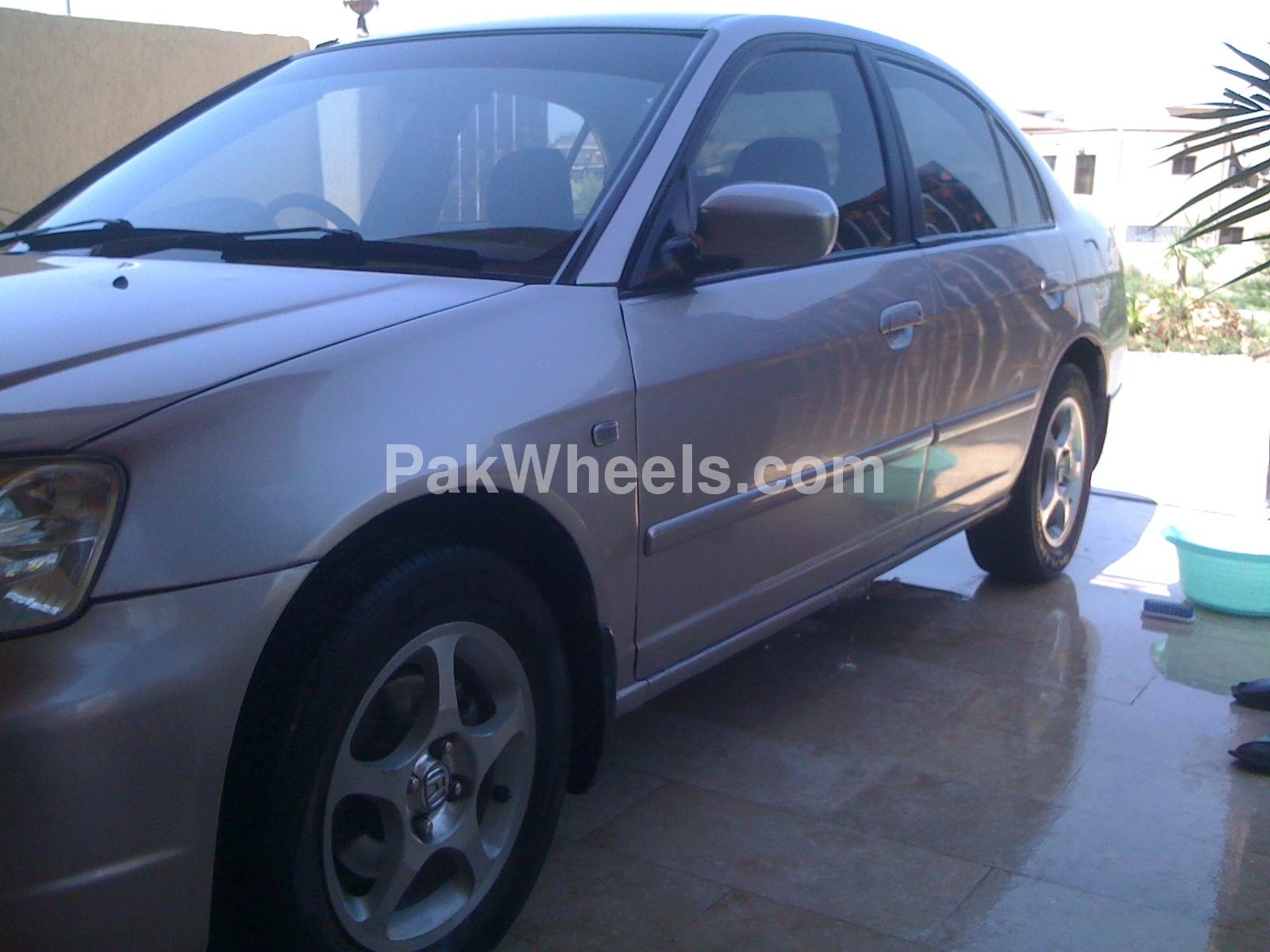 Honda Civic 2002 Image-2