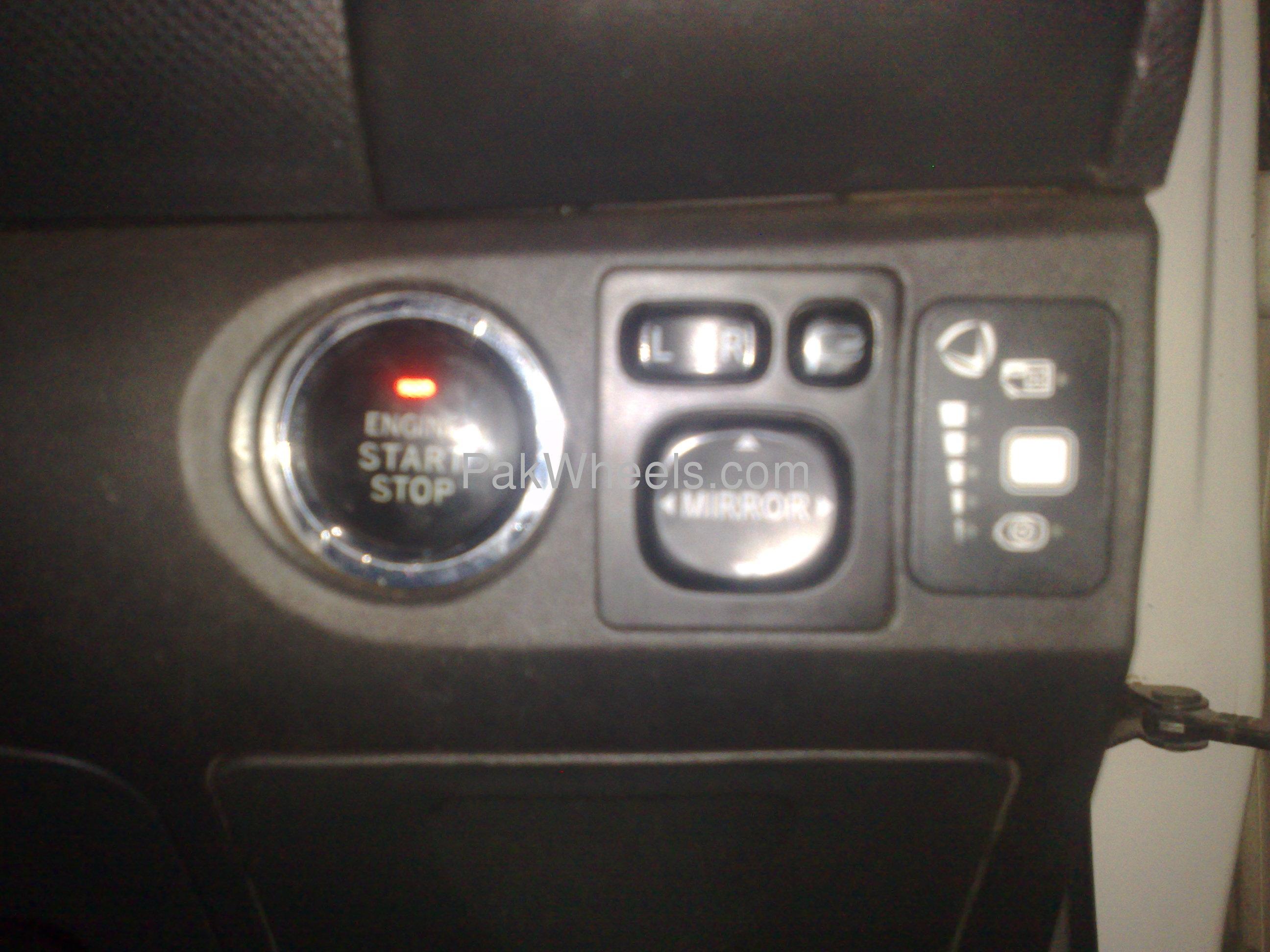 Toyota Vitz F 1.3 2005 Image-5