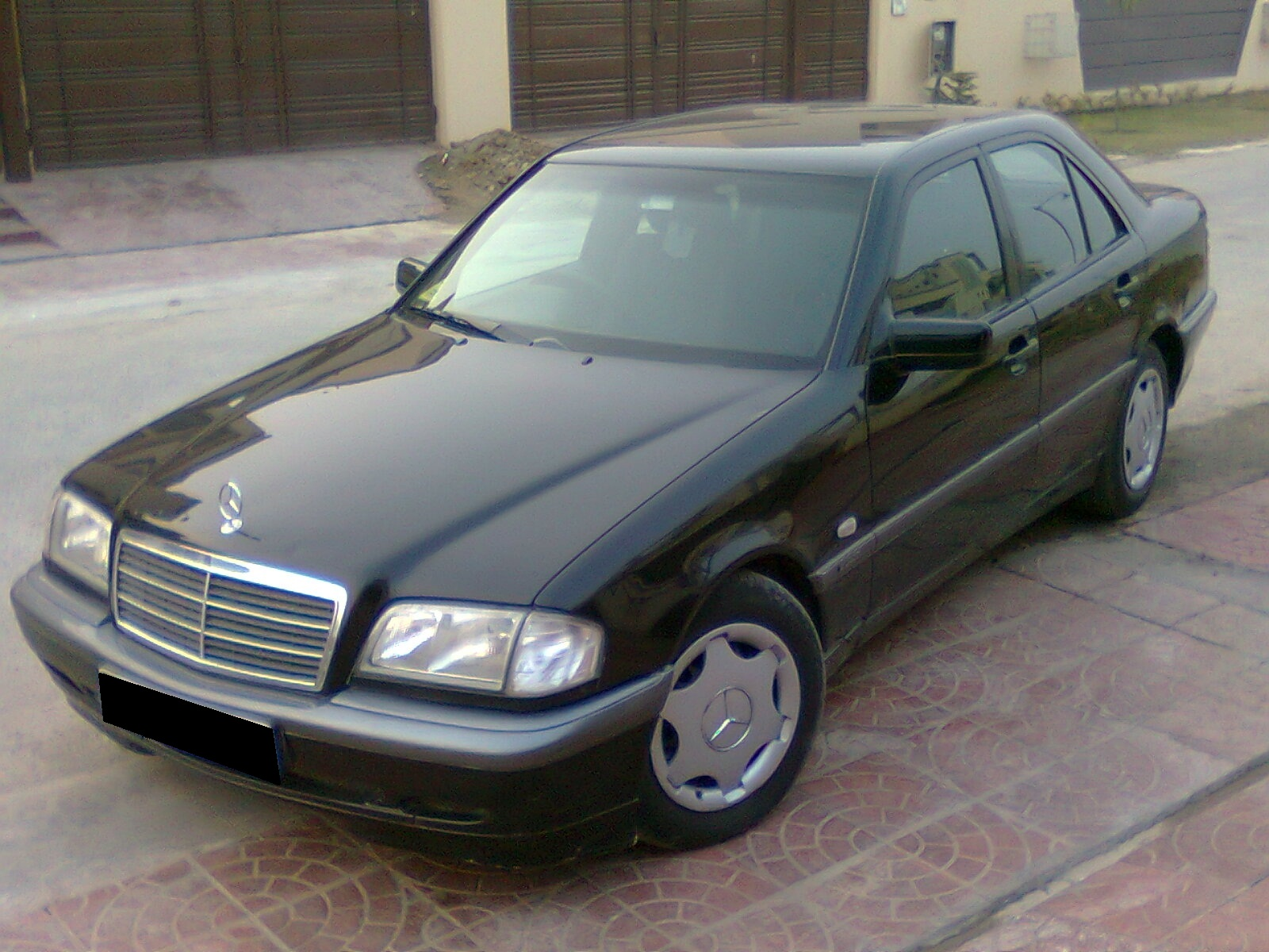 mercedes benz c class 2000 of exceptional leo member ride 14765 pakwheels. Black Bedroom Furniture Sets. Home Design Ideas