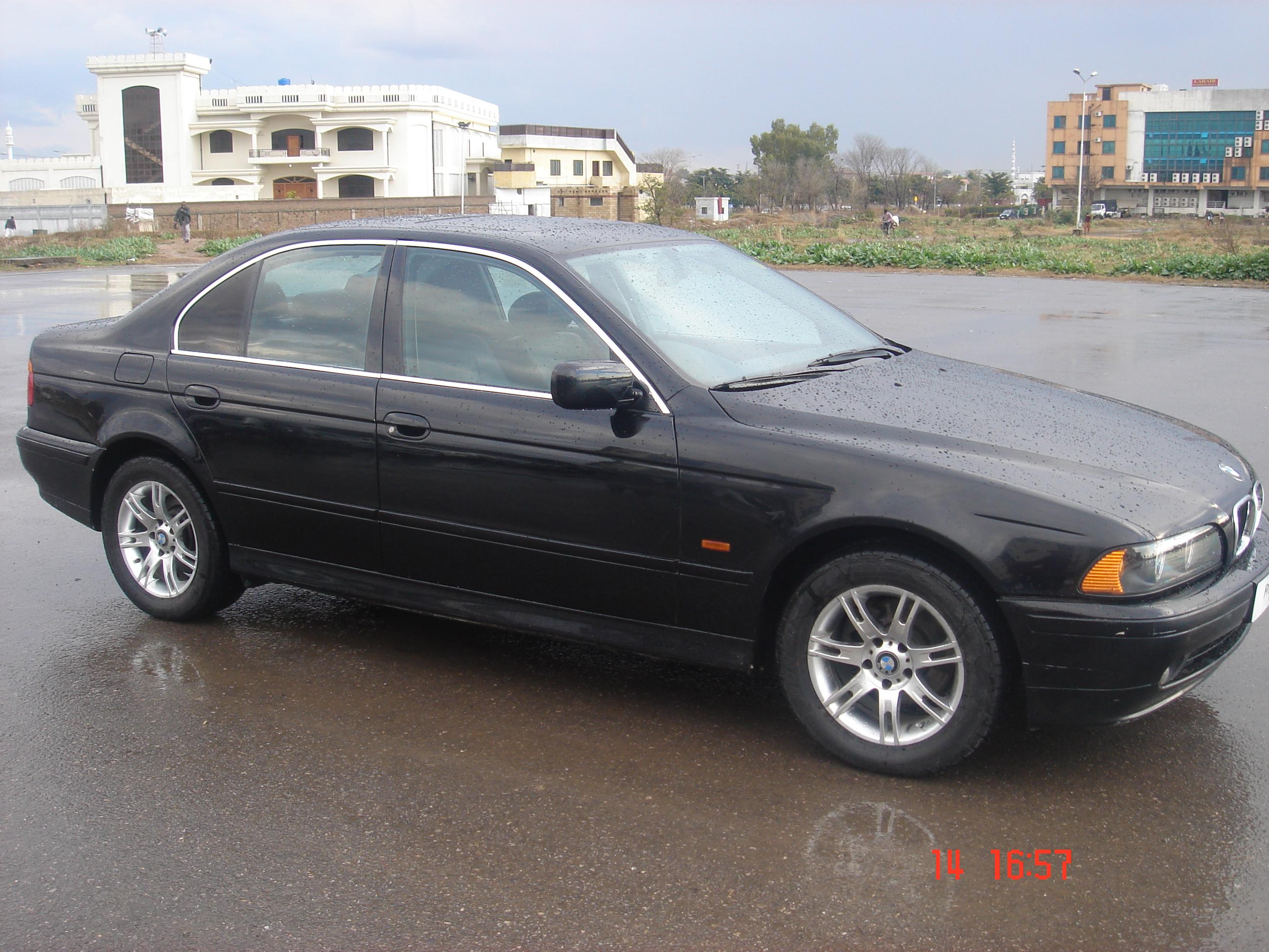 BMW 5 Series - 2002 royal  Image-1