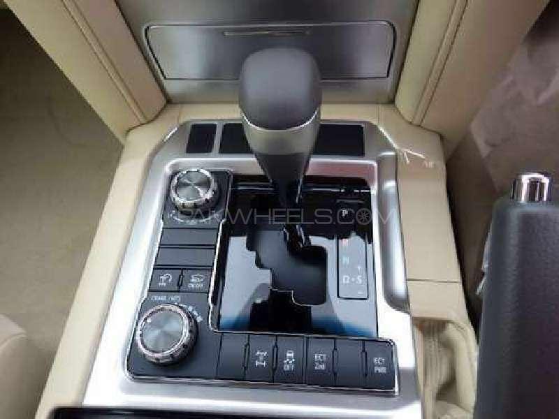 Toyota Land Cruiser ZX 2016 Image-10