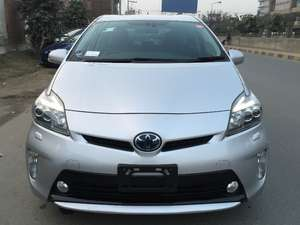 Toyota Prius G Touring Selection Leather Package 1.8 2012 for Sale in Faisalabad
