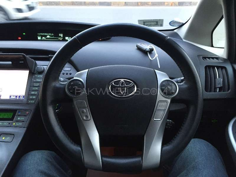 Toyota Prius G Touring Selection Leather Package 1.8 2012 Image-8