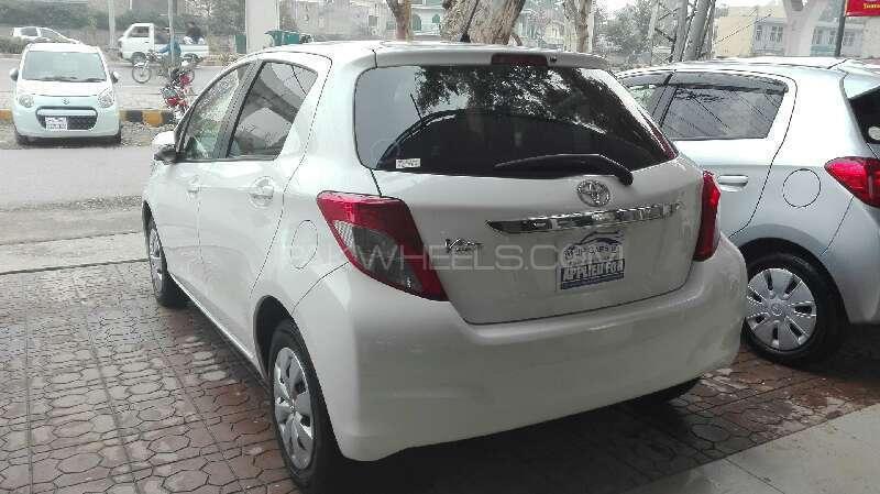 Toyota Vitz F Limited 1.0 2012 Image-6