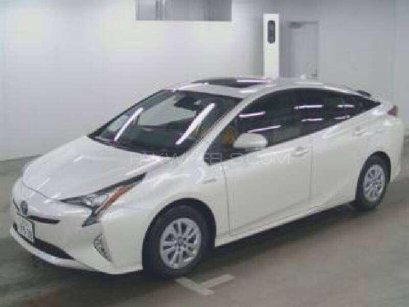 Toyota Prius 2015 Image-7