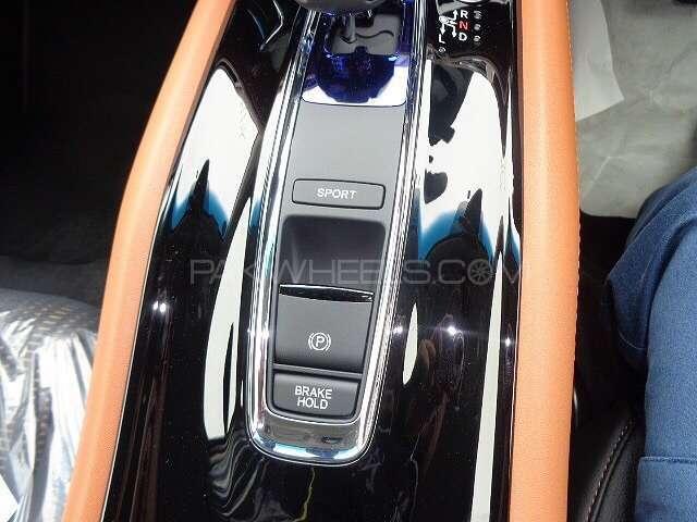 Honda Vezel Hybrid Z 2015 Image-6