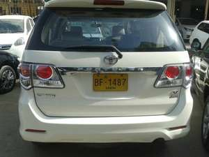 Slide_toyota-fortuner-2-7-automatic-2013-10224429