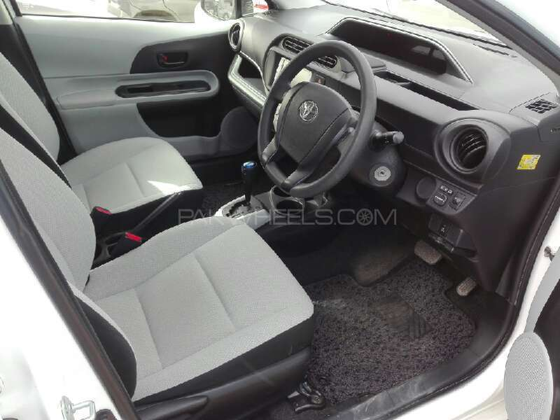 Toyota Aqua 2012 Image-5