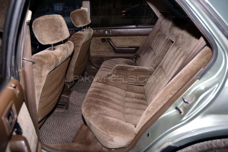 Honda Accord EX 1986 Image-4