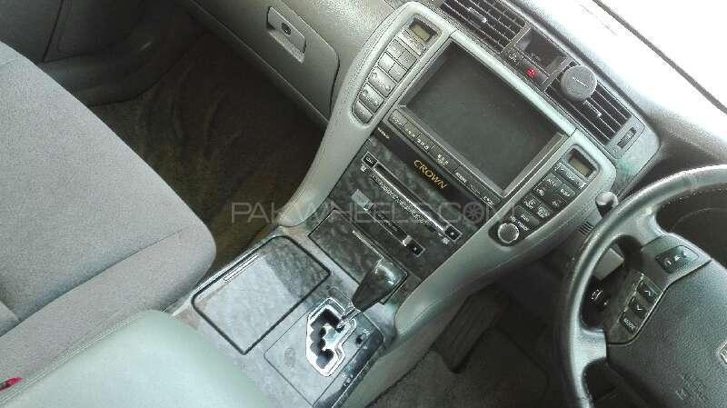 Toyota Crown Royal Saloon 2004 Image-5