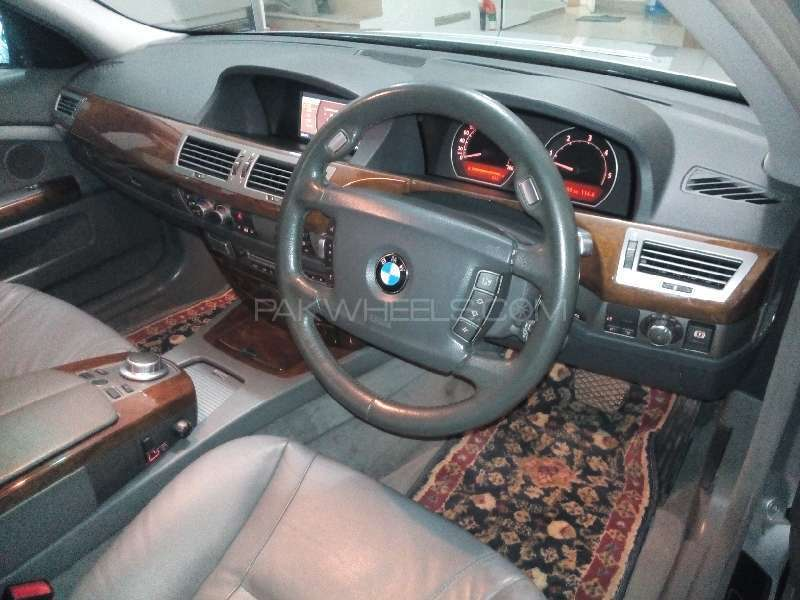 BMW 7 Series 730d 2005 Image-8