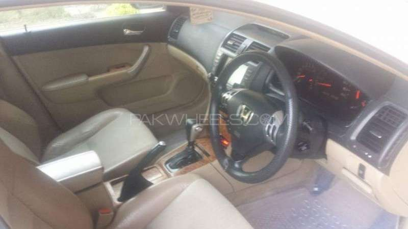 Honda Accord CL9 2002 Image-5