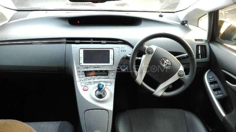 Toyota Prius G Touring Selection 1.8 2014 Image-5