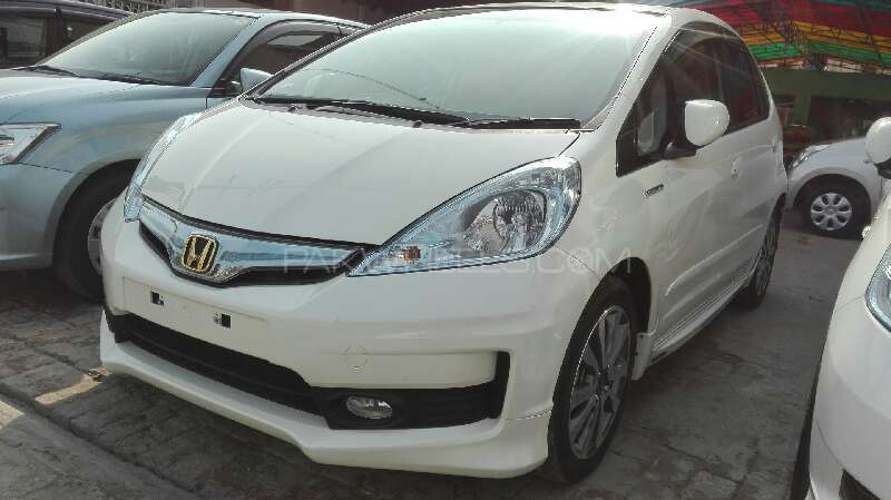 Honda Fit Hybrid RS 2012 Image-1