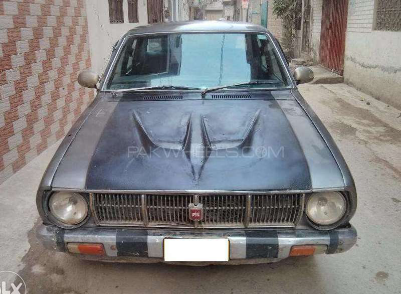 used toyota corolla 1976 car for sale in lahore 1512733 pakwheels. Black Bedroom Furniture Sets. Home Design Ideas