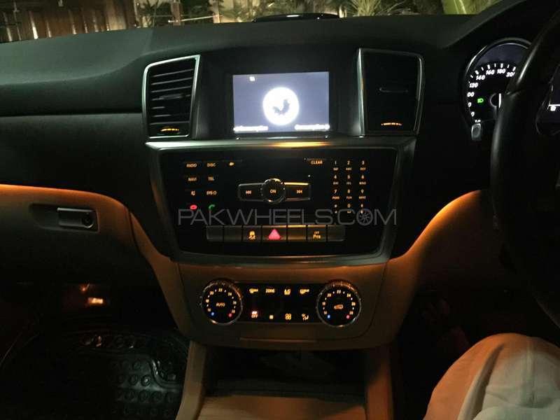 Mercedes Benz M Class ML 350 4MATIC 2012 Image-8