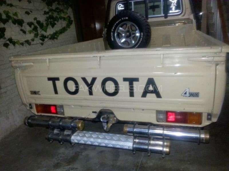 Toyota Land Cruiser 2000 Image-7