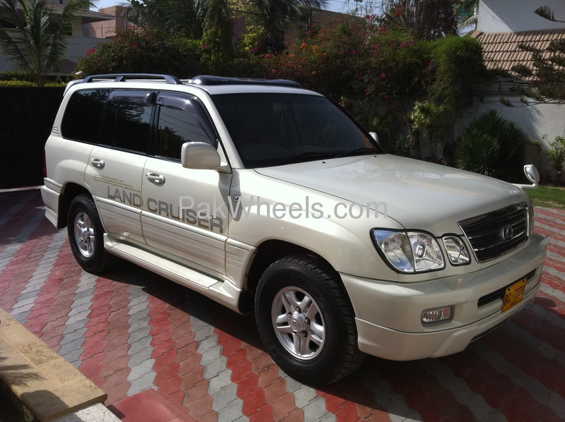 used toyota land cruiser sw vx automatic 2001 car for sale in karachi 378303 pakwheels. Black Bedroom Furniture Sets. Home Design Ideas