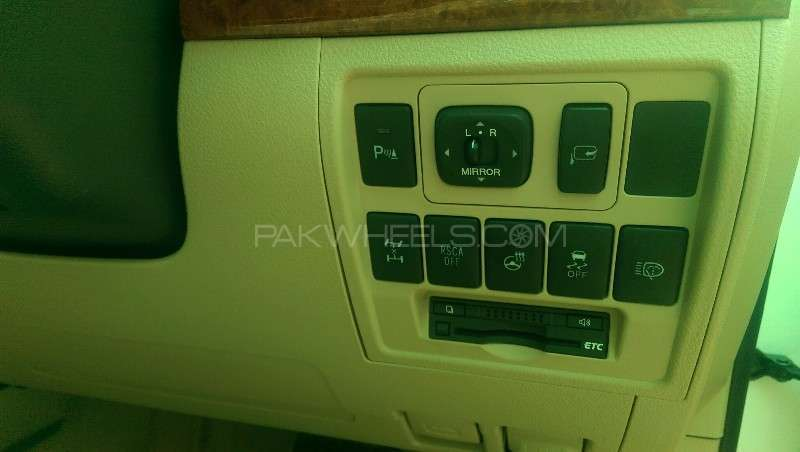 Toyota Land Cruiser ZX 2012 Image-7
