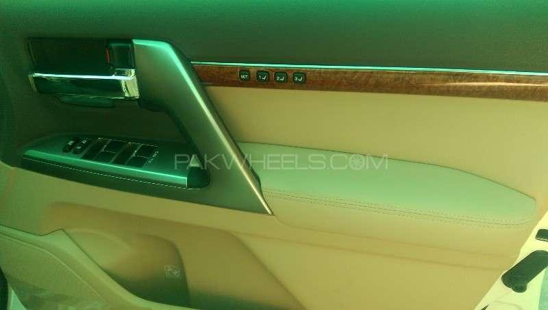 Toyota Land Cruiser ZX 2012 Image-10