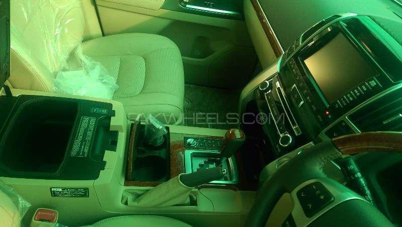 Toyota Land Cruiser ZX 2012 Image-14