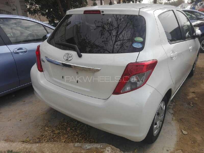 Toyota Vitz F 1.0 2013 Image-7