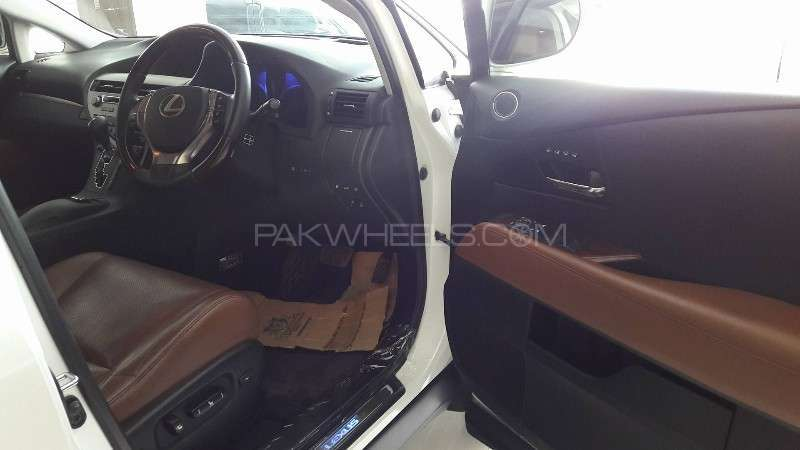 Lexus RX Series 450H 2012 Image-11