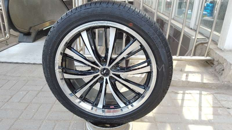 "PIRELLI TYRES AND LEONIS RIMS 20"" Image-1"