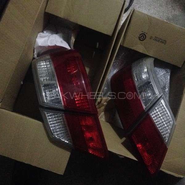 Premio back lights 2008 Image-1