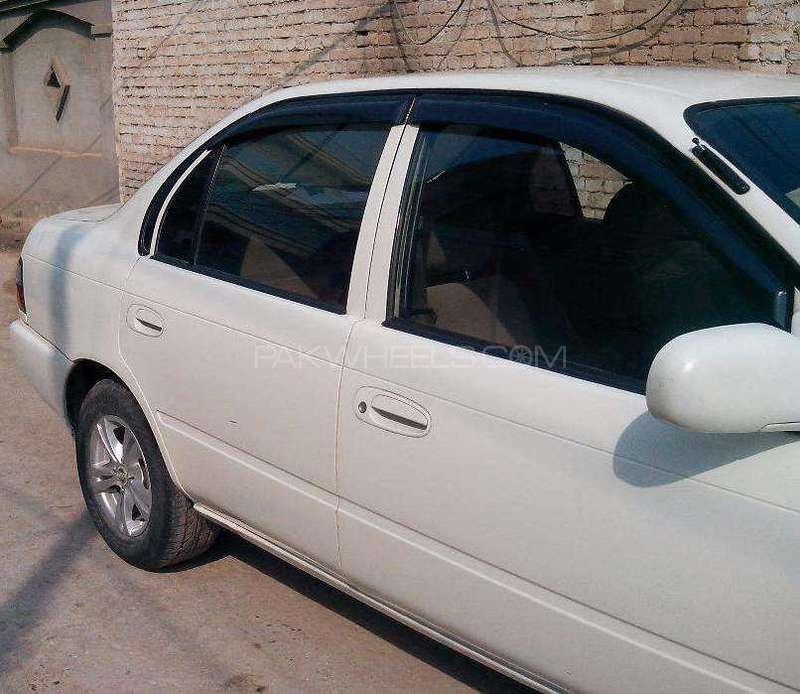 Toyota Corolla XE 1998 Image-2