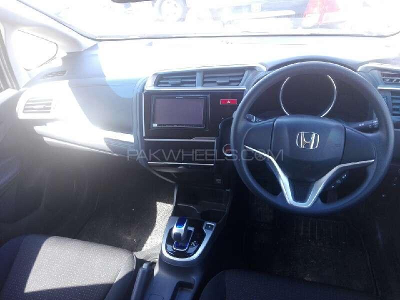Honda Fit Hybrid Base Grade 1.3 2013 Image-6