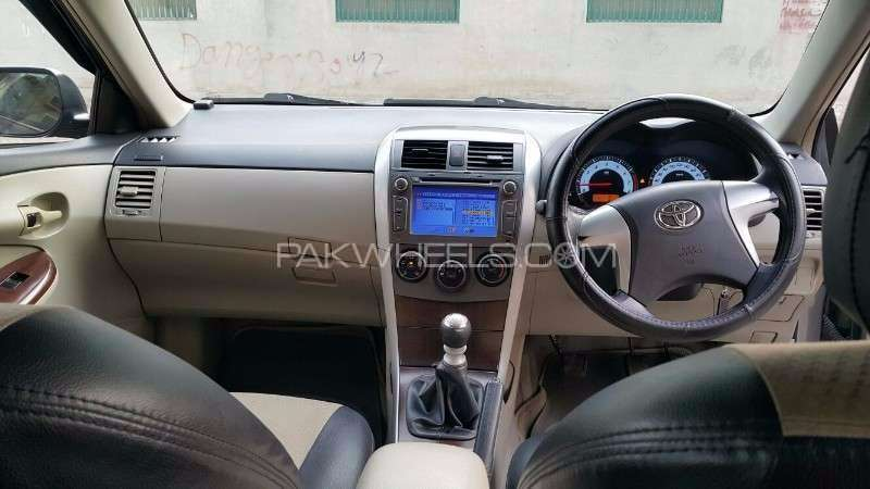 Toyota Corolla Altis SR 1.6 2012 Image-4