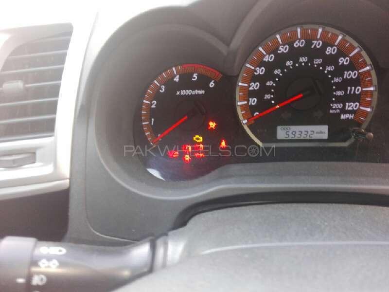 Toyota Hilux Vigo G 2011 Image-5