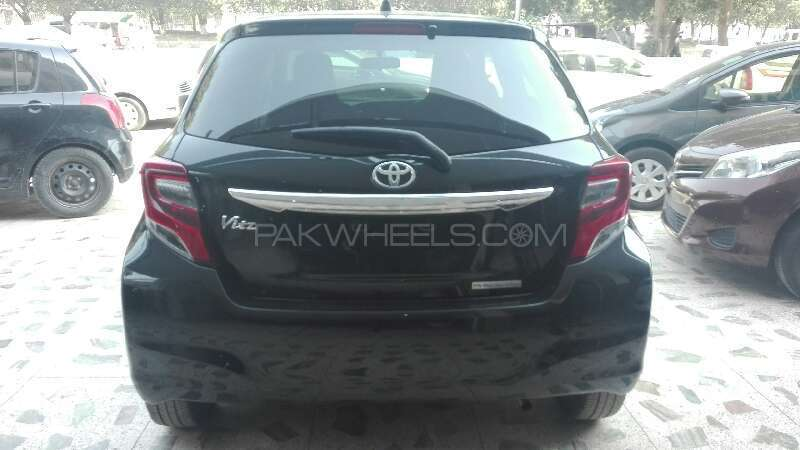 Toyota Vitz 2014 Image-9