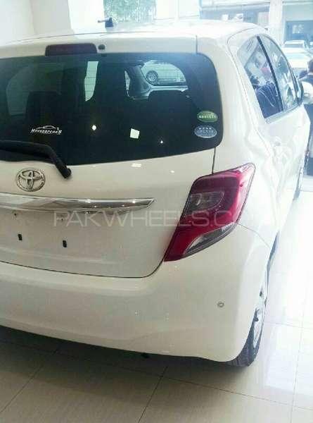 Toyota Vitz F Limited 1.0 2014 Image-3