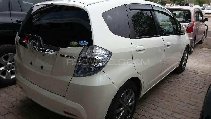 Honda Fit Hybrid 2012 Image-4