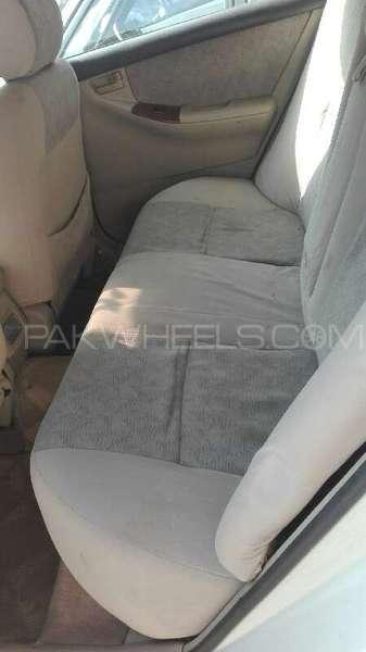 Toyota Corolla SE Saloon Automatic 2003 Image-4
