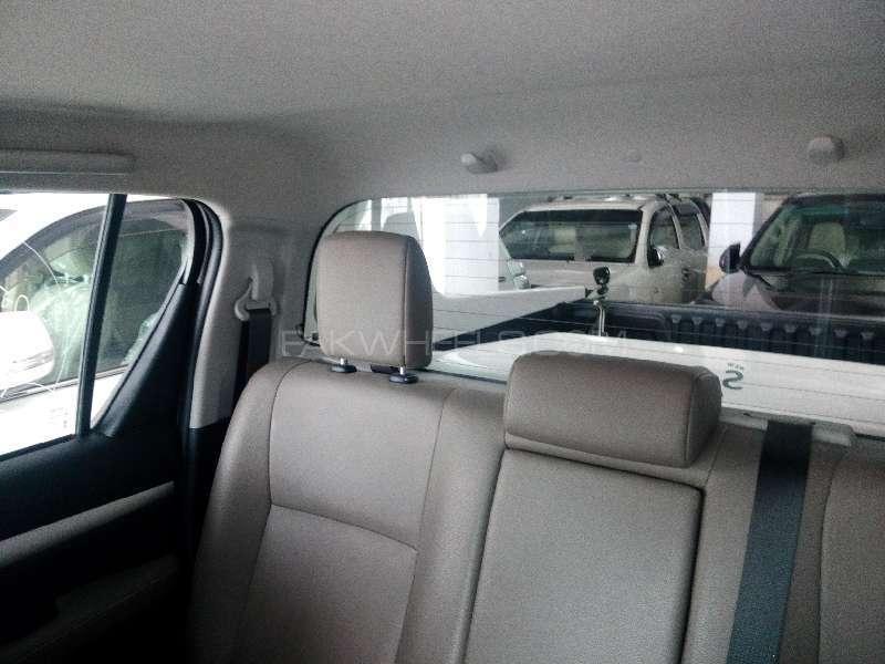 Toyota Hilux Revo G 2.8 2015 Image-5