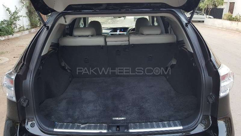 Lexus RX Series 450H 2011 Image-5