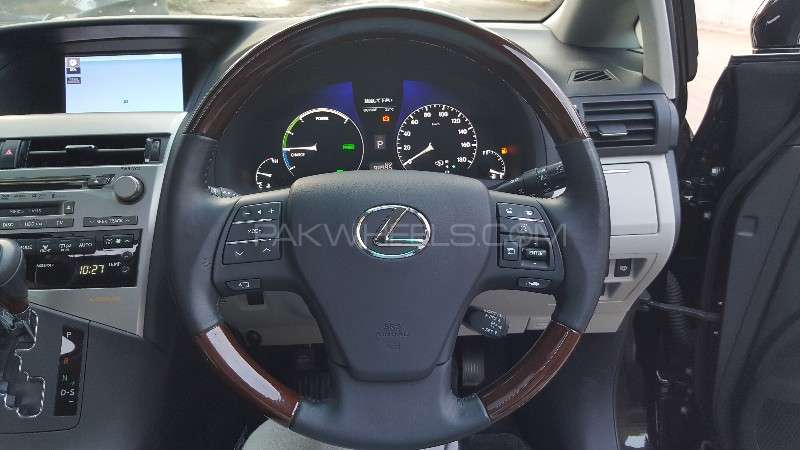 Lexus RX Series 450H 2011 Image-14