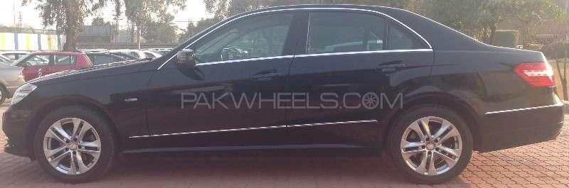 Mercedes Benz E Class E200 2012 Image-9