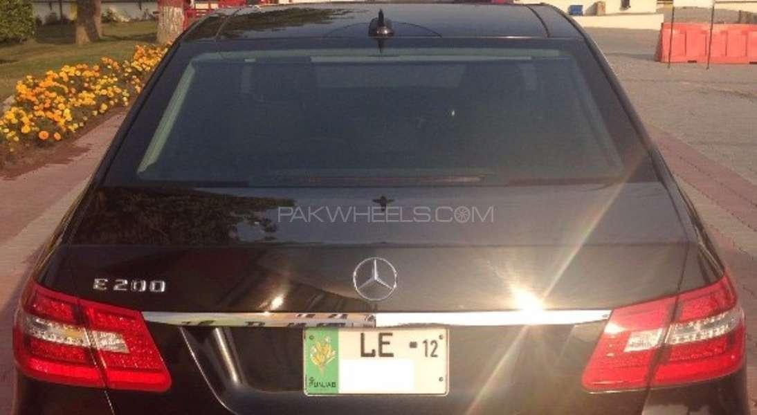 Mercedes Benz E Class E200 2012 Image-7