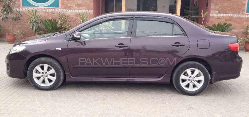 Toyota Corolla Altis 1.6 2012 Image-2