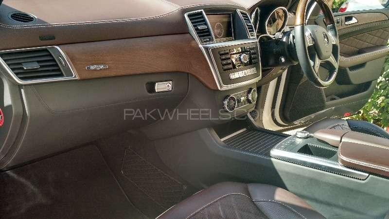 Mercedes Benz M Class ML 350 4MATIC 2012 Image-5